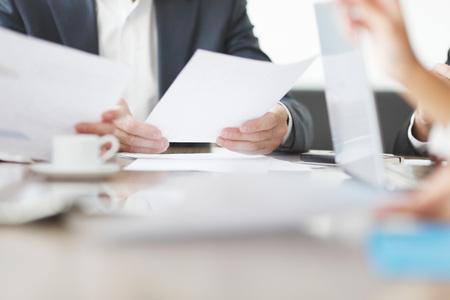 Foto de Close-up of Business people working together at a meeting - Imagen libre de derechos