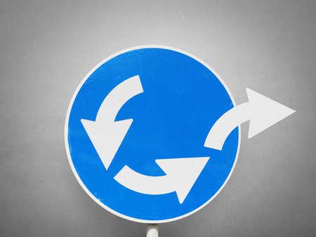 Photo pour Concept of escape from business loop with road signal - image libre de droit