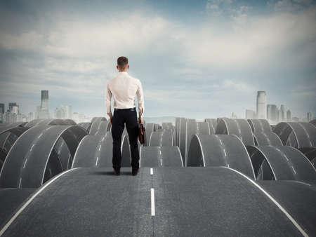 Photo pour Concept of a businessman in the face of difficulties - image libre de droit