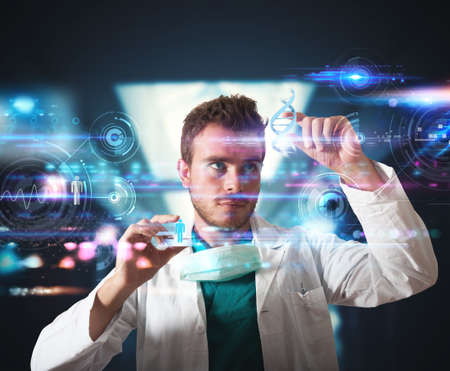 Foto de Doctor working with futuristic touch screen interface - Imagen libre de derechos