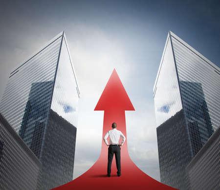 Photo pour Concept of successful statistic with growing arrow - image libre de droit