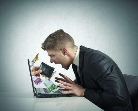 Foto de Concept of steal with thief exit from laptop - Imagen libre de derechos