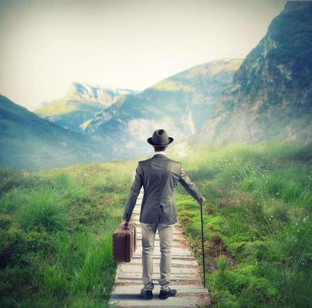 Foto de Businessman looking for the right way to success - Imagen libre de derechos