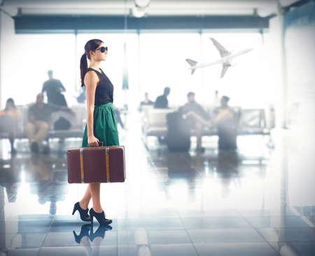 Photo pour Tourist class to the airport for trip - image libre de droit