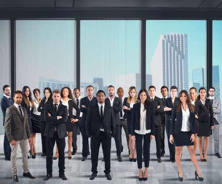 Foto de Business team working together in a skyscraper - Imagen libre de derechos