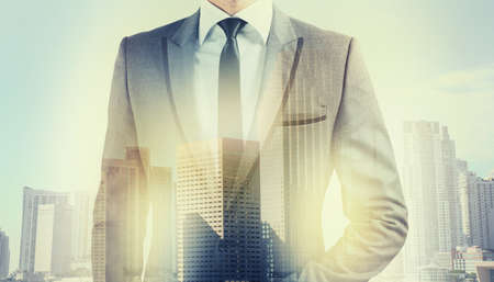 Foto de Businessman at the top comes to success - Imagen libre de derechos