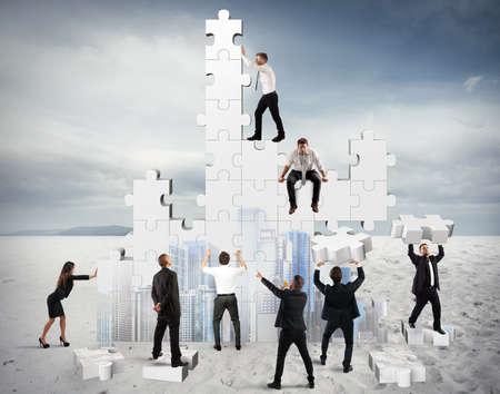 Photo pour Construction of a new and collaborative company - image libre de droit