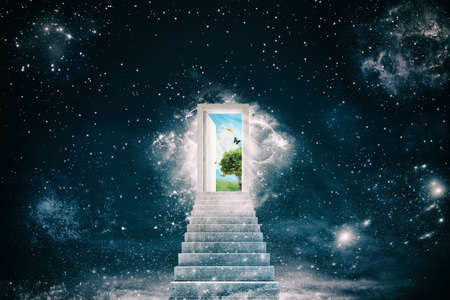 Photo pour New green worlds behind the door - image libre de droit