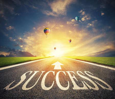 Photo pour Road of the success. The way for new business opportunities - image libre de droit