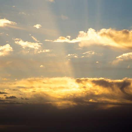 Foto de Bright blue sky with gentle cumulus clouds. Natural summer and spring background. - Imagen libre de derechos