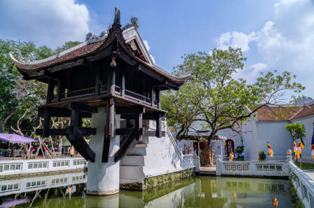 Photo pour One Pillar Pagoda, reconstructed buddhist temple in Hanoi - image libre de droit