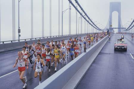 Photo pour View of runners crossing Verrazano Bridge at the start of NY City Marathon - image libre de droit