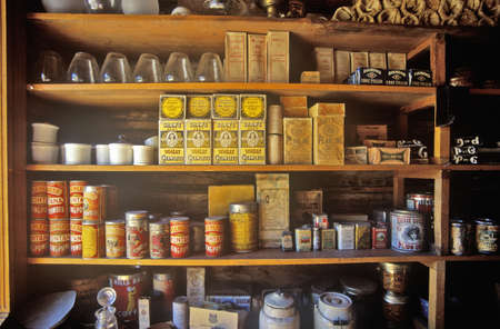 Photo pour Interior of General Store with goods on shelves in Ghost Town near Virginia City, MT - image libre de droit