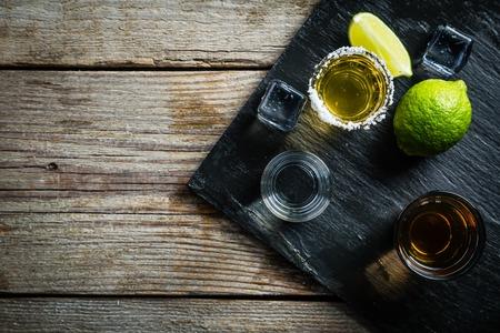 Photo pour Selection of alcoholic drinks - image libre de droit