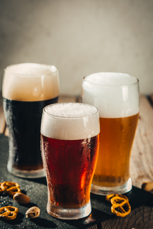 Photo pour Different types of beer - image libre de droit