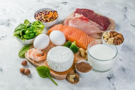 Photo pour Selection on vegetarian and animal origin protein sources - image libre de droit