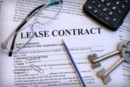 Photo pour Lease contract, close-up - image libre de droit