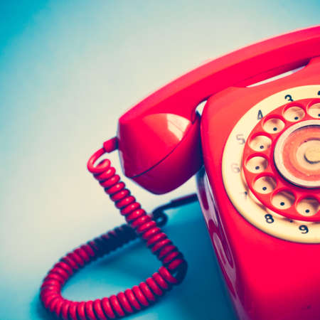 Photo pour Vintage red telephone - image libre de droit