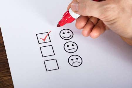 Photo pour Tick Placed In Excellent Checkbox On Customer Service Satisfaction Survey Form - image libre de droit