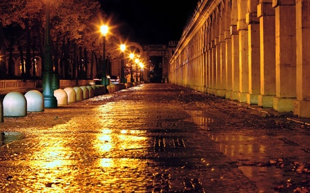 Photo for Calle mojada por la lluvia - Royalty Free Image