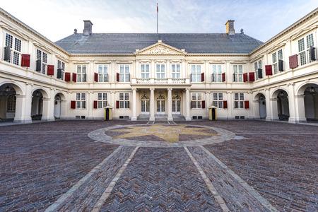 Photo pour Noordeinde palace, Dutch Royal family residence in The Hague, Den Haag, Netherlands - image libre de droit