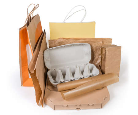 Photo pour Different brown paper food packaging, carton box, other packing for various foods and shopping bags without plastic on a white background - image libre de droit
