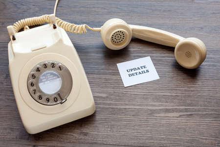 Photo pour Retro telephone with note - Update Details - image libre de droit