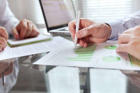 Photo pour business monitoring - image libre de droit