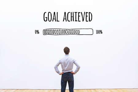 Foto de goal achieved progress loading bar, concept of achievement process - Imagen libre de derechos
