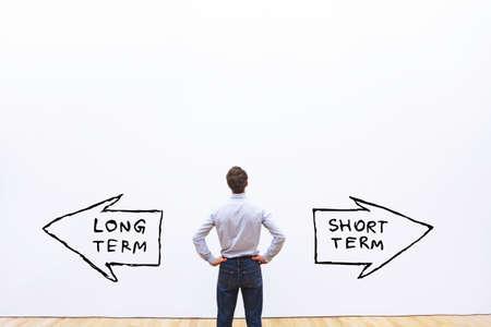 Photo pour long term vs short term concept - image libre de droit