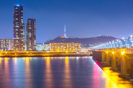 Foto de Korea landmark and bridge and Han river,n seoul tower at night,  South Korea. - Imagen libre de derechos