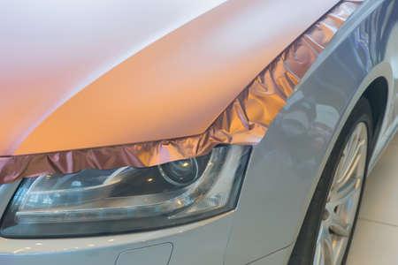Foto de pasting of car carbonic plastic closeup - Imagen libre de derechos