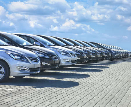 Foto de Cars For Sale Stock Lot Row. Car Dealer Inventory - Imagen libre de derechos