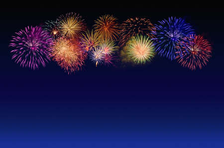 Photo pour Colorful fireworks celebration and the twilight sky background. - image libre de droit