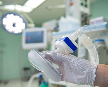 Foto de anesthesia- doctors hand with mask - Imagen libre de derechos