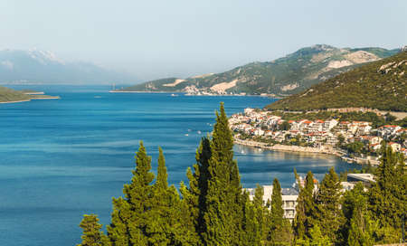 Foto de Landscape of the bay with the city of Neum in Bosnia and Herzegovina. Coast of the Adriatic Sea. - Imagen libre de derechos