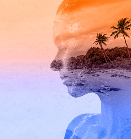 Foto per Double exposure portrait of beautiful woman and sea sunset - Immagine Royalty Free