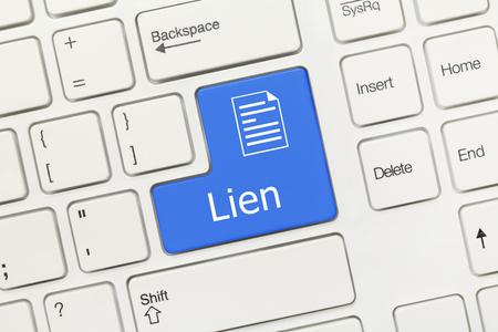 Foto de Close-up view on white conceptual keyboard - Lien (blue key) - Imagen libre de derechos