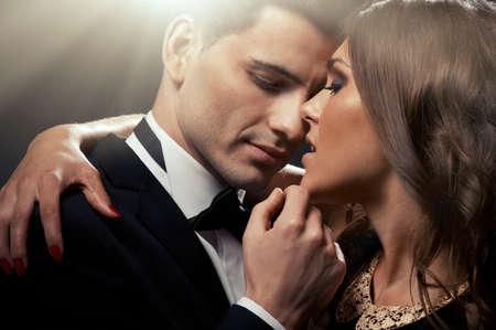 Photo pour Sensual portrait of cute couple - image libre de droit