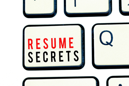 Photo pour Writing note showing Resume Secrets. Business photo showcasing Tips on making amazing curriculum vitae Standout Biography. - image libre de droit