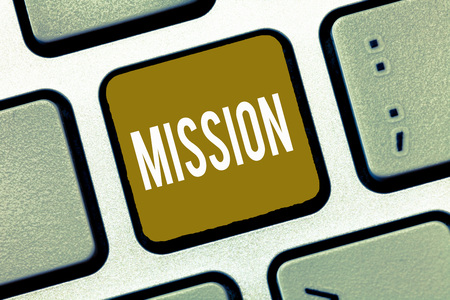 Photo pour Handwriting text Mission. Concept meaning Corporate goal Important Assignment Business purpose and focus. - image libre de droit