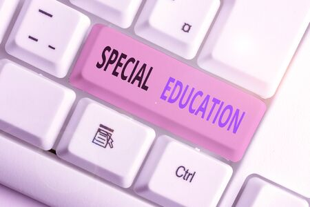 Foto de Writing note showing Special Education. Business concept for form of learning given to students with mental challenges - Imagen libre de derechos