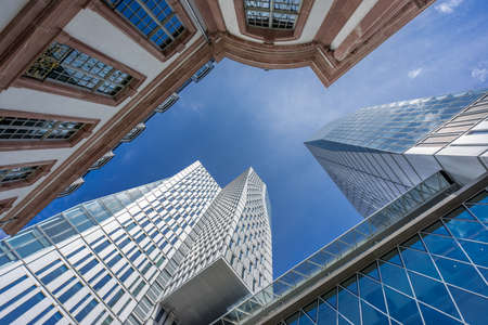 Foto per Ground level view of PalaisQuartier building complex. Collection Business Center, Frankfurt Nextower, Palais Thurn und Taxis and Jumeirah Hotel Frankfurt. - Immagine Royalty Free