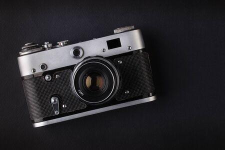 Foto de Camera on black background - Imagen libre de derechos