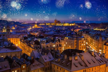 Photo pour Fireworks During New Years Eve in Prague, Czech Republic - image libre de droit