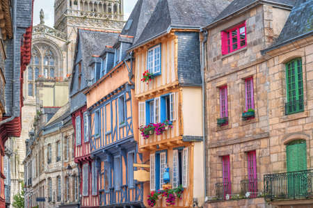 Photo pour Colorful stone houses in the old town of Quimper, Brittany, France - image libre de droit