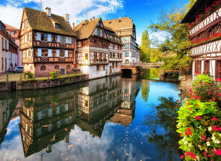 Foto de Traditional half-timbered houses in La Petite France district, Strasbourg, France - Imagen libre de derechos