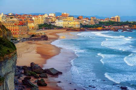 Photo pour Biarritz city and its famous sand beaches - Miramar and La Grande Plage, Bay of Biscay, Atlantic coast, France - image libre de droit