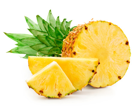 Photo pour pineapple with slices isolated - image libre de droit