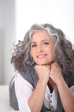 Photo pour Beautiful senior woman - image libre de droit